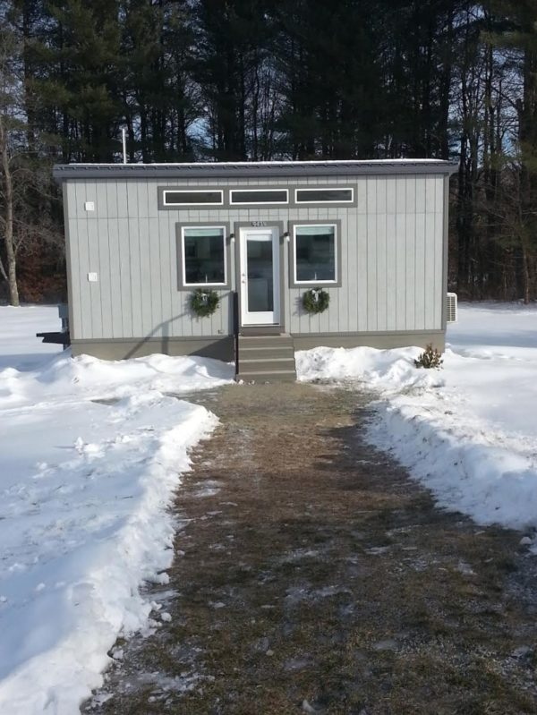 25ft Tiny House with Downstairs Sleeping For Sale in Maine 0014