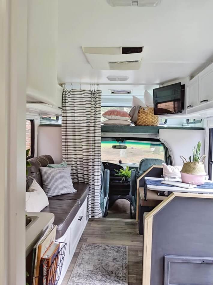 Adventure Awaits 94 Ford E-Class Motorhome Conversion 001