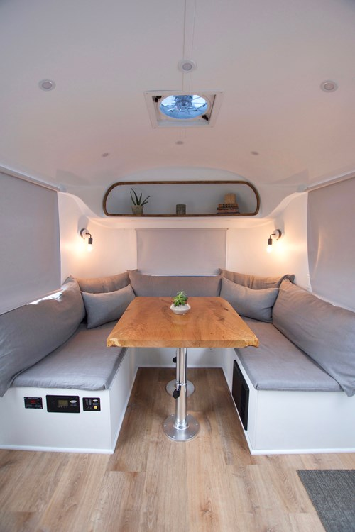 Renovated 1968 30ft Airstream Sovereign For Sale in San Francisco_004