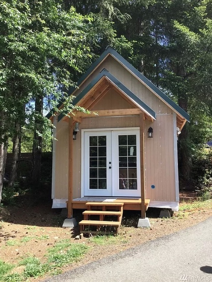 Tiny House with Land in Grapeview Washington via NWMLS-Zillow 0015