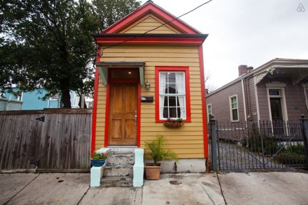 Tiny Shotgun Cottage in New Orleans