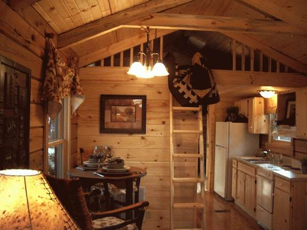 Gastineau Oak Log Cabin Living Area