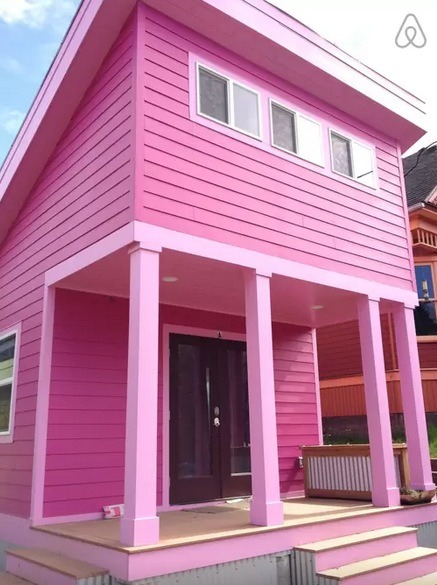 200-Square-Foot Pink Tiny House in Portland, Oregon