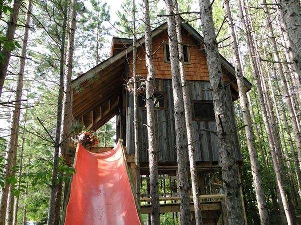 lynn-knowltons-tiny-tree-fort-cabin-003