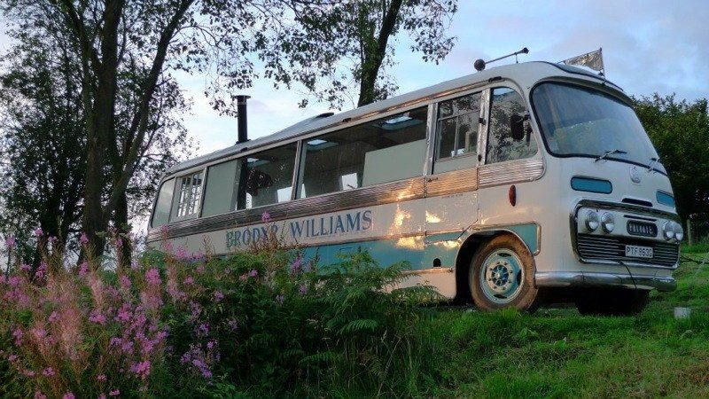 majestic-bus-tiny-house-conversion-0010