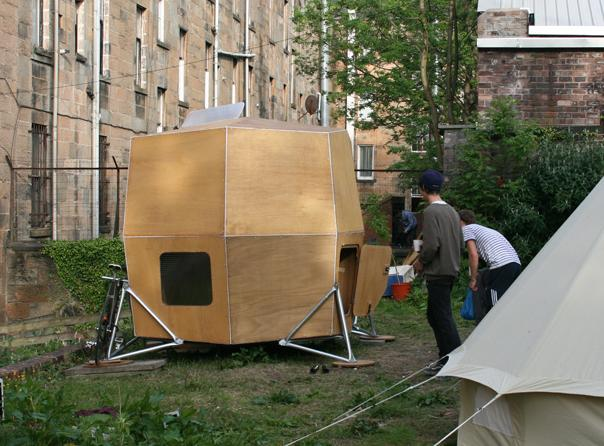 micro-house-in-central-glasgow-for-gilchrist-exhibition